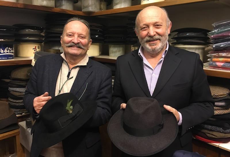 Tanto di cappello per 45 anni vissuti intensamente nel lavoro e nell Associazione  - Confesercenti della Provincia di Ravenna 557d16390431