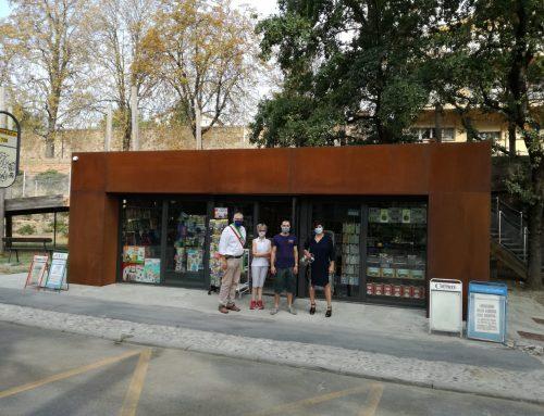 Faenza: nuovo look per l'edicola di via Lapi. I complimenti di Confesercenti per l'importante investimento